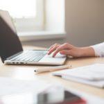 Läheisen kuolema ja suru töissä -verkkokurssi avuksi työpaikoille